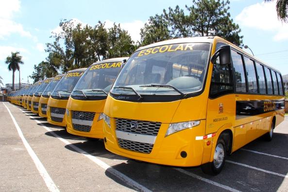 09-novos-onibus-escolares-foto-ney-sarmento